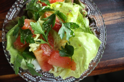 Citrus and bitter leaf salad with blood